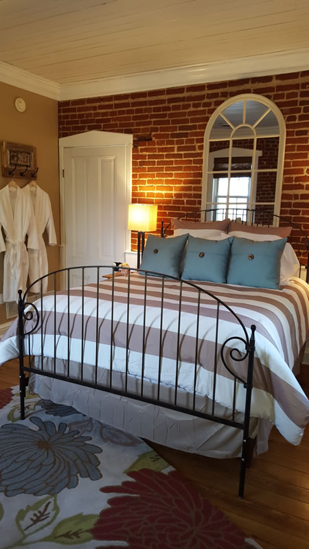 Our Guest Rooms Red Brick Inn Bed Amp Breakfast Augusta Mo